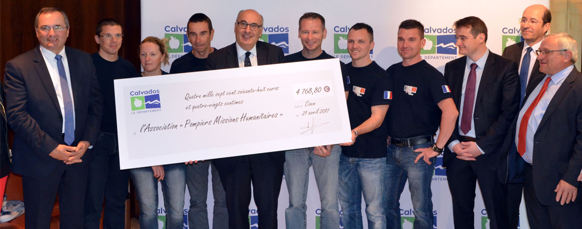 remise-cheque-pompiers-missions-humanitaires-1140.jpg